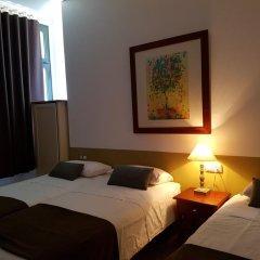 Отель Hostal LK Стандартный номер с различными типами кроватей фото 9