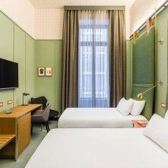 Отель Room Mate Giulia Стандартный номер с различными типами кроватей фото 5