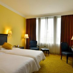 Отель The Tawana Bangkok 3* Улучшенный номер с разными типами кроватей фото 7