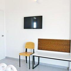 Апартаменты Hillside Studios & Apartments Улучшенный номер с различными типами кроватей фото 12