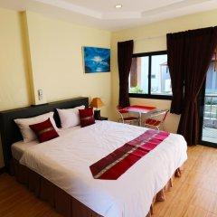 Отель Kamala Beach Guesthouse комната для гостей