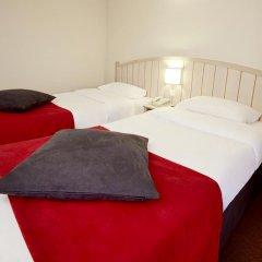 Отель Campanile Val de France 3* Стандартный номер с 2 отдельными кроватями фото 2
