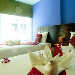 Отель PJ Patong Resortel 3* Улучшенный номер с 2 отдельными кроватями фото 3