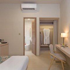 Отель Malahini Kuda Bandos Resort 4* Стандартный номер с двуспальной кроватью