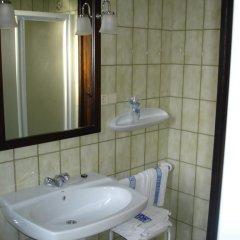 Отель Hostal Ayestaran II Стандартный номер с двуспальной кроватью фото 9