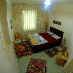 Levanten Hostel Стандартный номер двуспальная кровать (общая ванная комната) фото 3