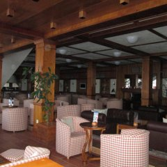 Апартаменты Green Life Ski & Spa Alexander Services Apartments Банско гостиничный бар