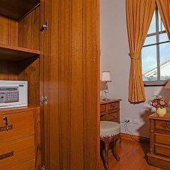 Отель Jomtien Summertime Villa B - 3 Bedroom сейф в номере