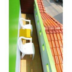 Отель Sleep Inn Hostel Koh Tao Таиланд, Мэй-Хаад-Бэй - отзывы, цены и фото номеров - забронировать отель Sleep Inn Hostel Koh Tao онлайн балкон