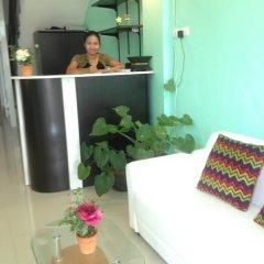 Отель Ezy House Patong комната для гостей
