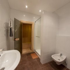 Гостиница Апарт-Отель Voyage Hall в Самаре отзывы, цены и фото номеров - забронировать гостиницу Апарт-Отель Voyage Hall онлайн Самара ванная