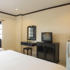 Отель Golden Tulip Essential Pattaya 4* Улучшенный номер с различными типами кроватей фото 47