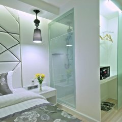 Отель Sukhumvit Suites 3* Улучшенный номер с различными типами кроватей фото 3