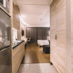 Отель Adelphi Suites Bangkok 4* Студия с различными типами кроватей фото 17