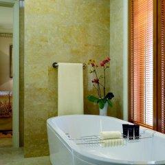 Отель The Ritz-Carlton Abu Dhabi, Grand Canal 5* Вилла с различными типами кроватей