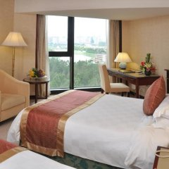 Best Western Premier Shenzhen Felicity Hotel 4* Улучшенный номер с различными типами кроватей фото 4