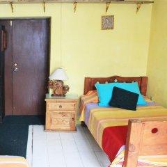 Отель CasaMy Hostal CasaZalaoui Кровать в мужском общем номере