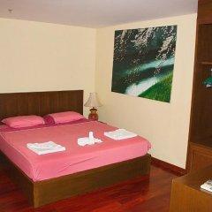 Отель Patong Tower Holiday Rentals сейф в номере