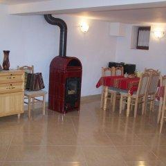 Отель Guesthouse Gostilitsa Боженци питание фото 3