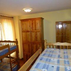Отель Albergue Turistico Briz Кровать в общем номере с двухъярусной кроватью