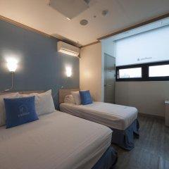 Отель K-guesthouse Sinchon 2 2* Номер Делюкс с различными типами кроватей фото 2