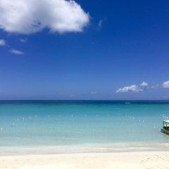 Отель White Sands Negril Ямайка, Саванна-Ла-Мар - отзывы, цены и фото номеров - забронировать отель White Sands Negril онлайн пляж фото 2