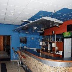 Отель Motel Istros Aviaparkas Литва, Паневежис - отзывы, цены и фото номеров - забронировать отель Motel Istros Aviaparkas онлайн гостиничный бар