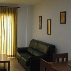 Отель Apartamentos Perez Zara Испания, Кониль-де-ла-Фронтера - отзывы, цены и фото номеров - забронировать отель Apartamentos Perez Zara онлайн комната для гостей фото 5