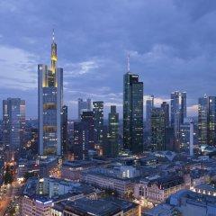 Отель Jumeirah Frankfurt 5* Номер Делюкс с различными типами кроватей фото 10