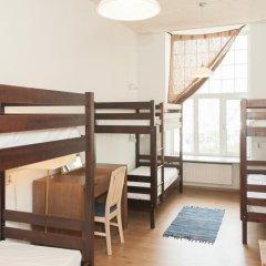 Отель 16eur - Fat Margaret's Кровать в общем номере с двухъярусной кроватью фото 3