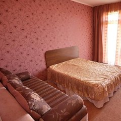 Гостевой дом 222 Стандартный семейный номер с двуспальной кроватью фото 6