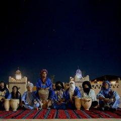 Отель Auberge Sahara Garden Марокко, Мерзуга - отзывы, цены и фото номеров - забронировать отель Auberge Sahara Garden онлайн спортивное сооружение