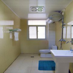 Отель Xianyang Fu Rui Inn Китай, Сяньян - отзывы, цены и фото номеров - забронировать отель Xianyang Fu Rui Inn онлайн ванная