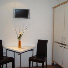 Отель Mstay 291 Suites Номер Делюкс с различными типами кроватей фото 9