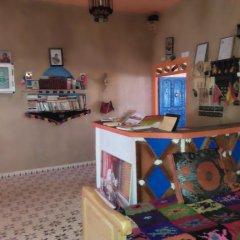 Отель Kasbah Le Berger, Au Bonheur des Dunes Марокко, Мерзуга - отзывы, цены и фото номеров - забронировать отель Kasbah Le Berger, Au Bonheur des Dunes онлайн гостиничный бар
