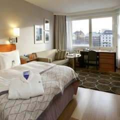 Отель Hilton Helsinki Strand 4* Представительский номер с двуспальной кроватью фото 2