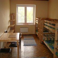 Fortuna Hostel Стандартный номер с двуспальной кроватью (общая ванная комната)