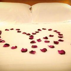 Отель Hôtel Eden Montmartre 3* Улучшенный номер с двуспальной кроватью фото 12