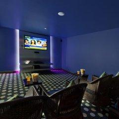 Отель Kenilworth Beach Resort & Spa Индия, Гоа - 1 отзыв об отеле, цены и фото номеров - забронировать отель Kenilworth Beach Resort & Spa онлайн гостиничный бар