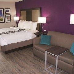 Отель La Quinta Inn & Suites Effingham 2* Люкс повышенной комфортности с различными типами кроватей фото 8