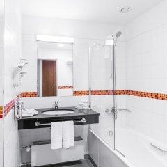 Отель Courtyard By Marriott Pilsen Чехия, Пльзень - отзывы, цены и фото номеров - забронировать отель Courtyard By Marriott Pilsen онлайн ванная