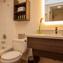 Отель GEC Granville Suites Downtown Канада, Ванкувер - отзывы, цены и фото номеров - забронировать отель GEC Granville Suites Downtown онлайн ванная