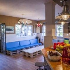Отель Latas Surf House гостиничный бар