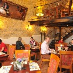Отель METAMORPHIS Прага гостиничный бар