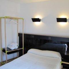 Отель Hostal Athenas Стандартный номер с различными типами кроватей фото 2