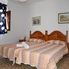 Отель Pensión Eva Стандартный номер с 2 отдельными кроватями (общая ванная комната)