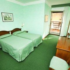 Отель Adriatic 2* Стандартный номер с 2 отдельными кроватями (общая ванная комната) фото 3