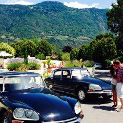Schlosshof Charme Resort – Hotel & Camping Лана парковка