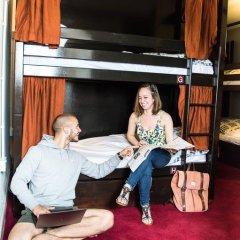 Отель Palmers Lodge Swiss Cottage Кровать в общем номере фото 21