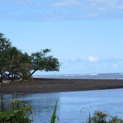 Отель Taharuu Surf Lodge Французская Полинезия, Папеэте - отзывы, цены и фото номеров - забронировать отель Taharuu Surf Lodge онлайн приотельная территория фото 2